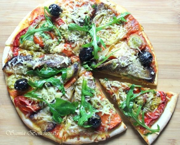 Pizza aux légumes marinés
