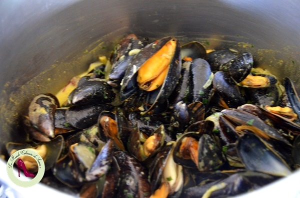 moules et jus au safran et curry