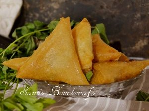 samoussa bourek triangle epinard viande hachée fromage râpé