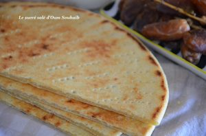 galette plate-kesra-sans-levure-oum-souhaib-ramadan-menu-samia-bouchenafa