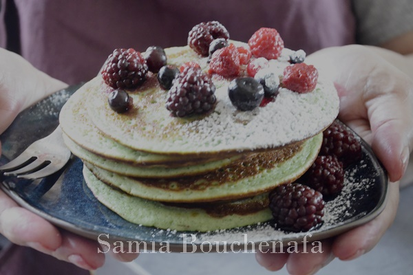 pancakes pistache-coco-fruits-rouges