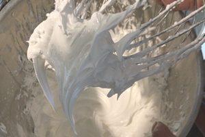 meringue-au-bec-d-oiseau